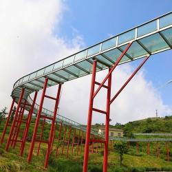 爆红玻璃滑道构造的景点游乐设施刷屏朋友圈
