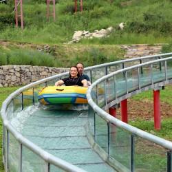 爆红玻璃构造的景点游乐设施刷屏朋友圈玻璃滑道