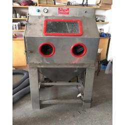 汽车零配件清理设备湿式手动喷砂机 茂名无尘型水喷砂机